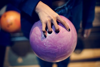 Grabbing The Pink Bowling Ball PVBAP8U